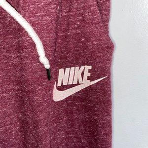 Cropped Nike Jogger